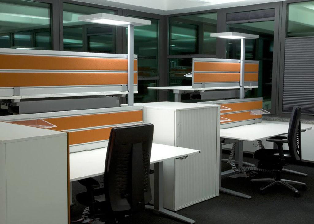 Büro Stehleuchte autolight: TARI 1200 TC-L - SARO-lux.de