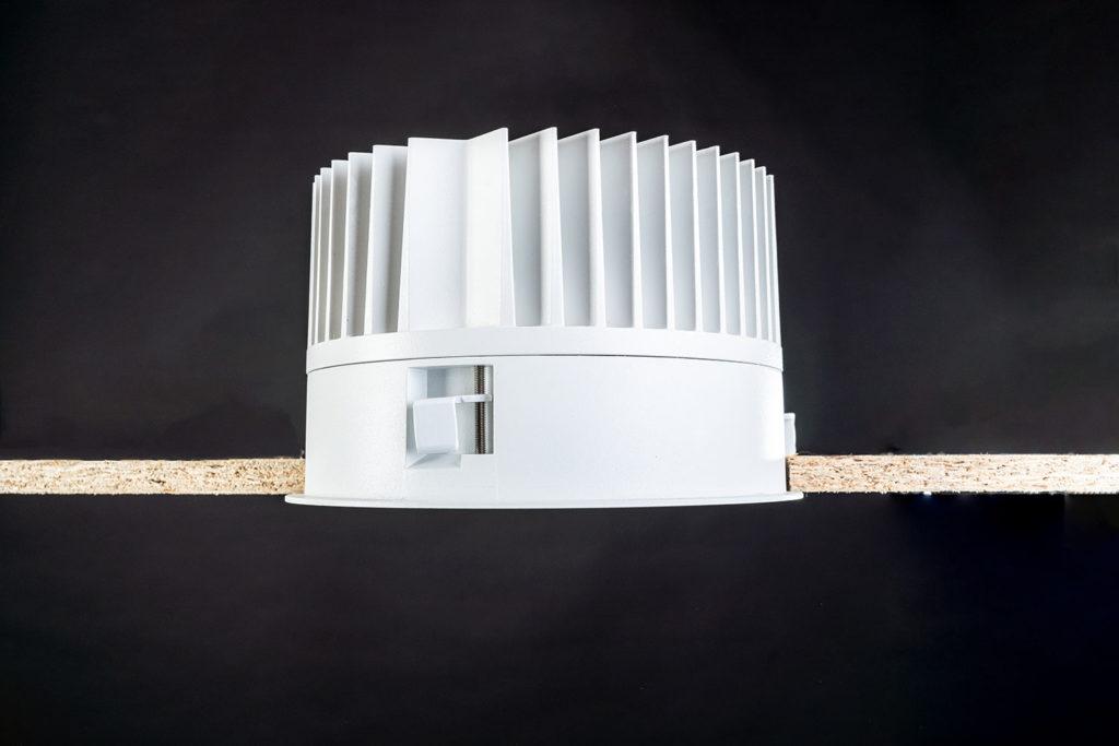 Unio 620 LED Einbau-Downlight seitlich